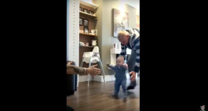 Toddlers First Steps is Interrupted in the Most Adorable Way [VIDEO]