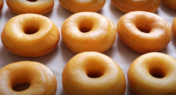 Krispy Kreme to Give Out Free Donuts for 2020 Graduates