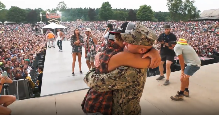 Hardy Surprises Military Family on Stage With Returning Soldier [WATCH]