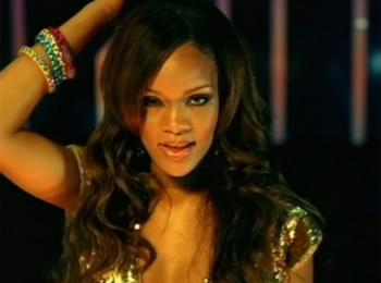 Rihanna Celebrates 15th Anniversary of Her First Single 'Pon de Replay'