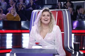 Kelly Clarkson Filling In for Simon Cowell on 'America's Got Talent' After Back Injury