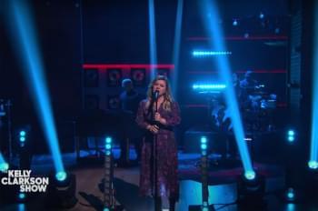 WATCH: Kelly Clarkson Covers Selena Gomez's 'Rare'