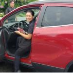 Waitress Receives Car As A Tip