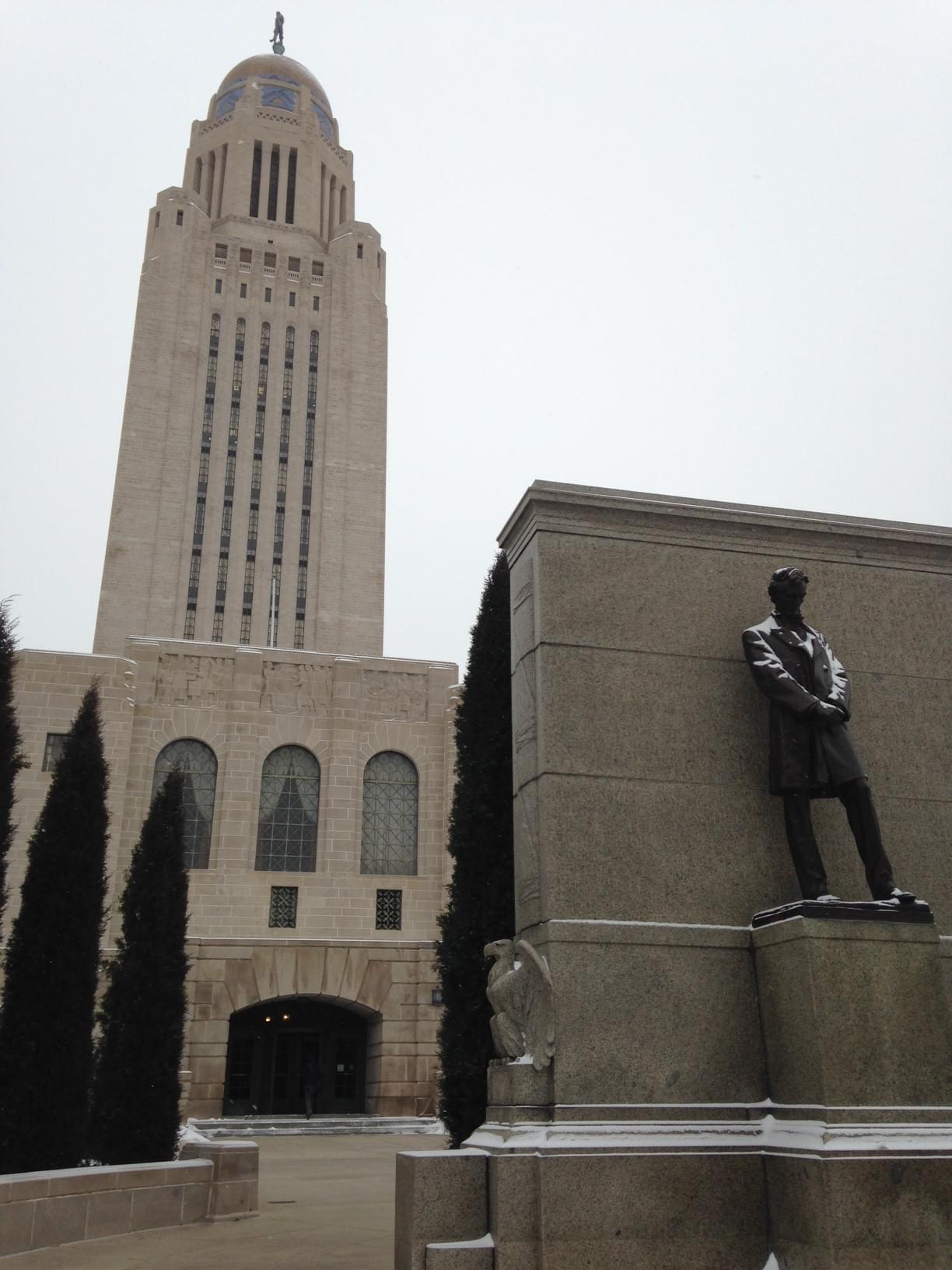 Capitol_Lincoln_statute
