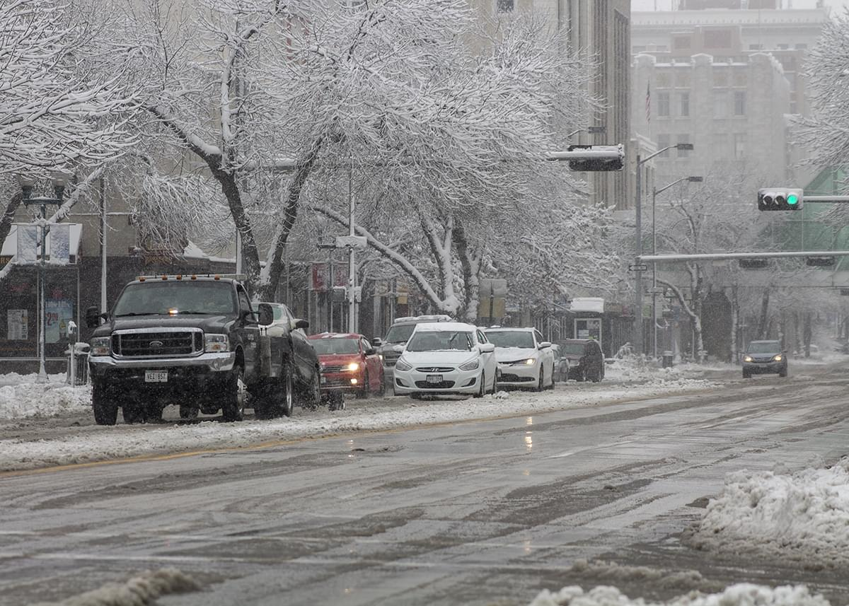 Lincoln Downtown Crews Face Challenges, Cold Temps