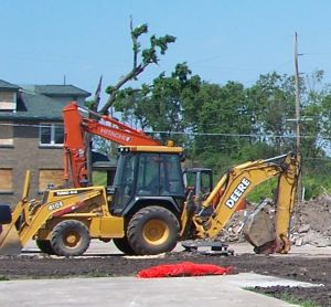 Construction equipment in Naplate