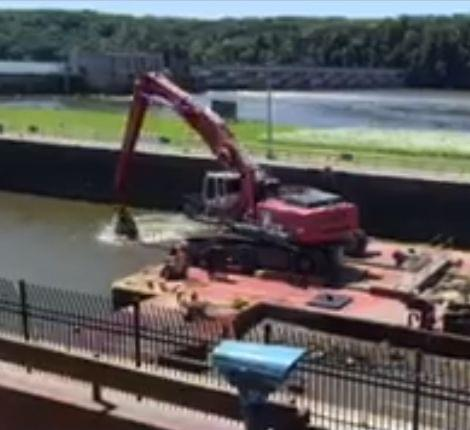 USCOE video of dredging at Starved Rock Lock