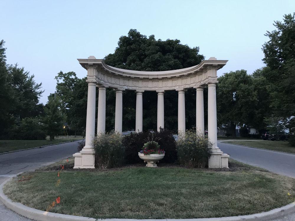 Ottawa colonnade 5