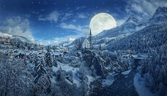 """""""Snow Moon"""" To Light Up The Sky"""