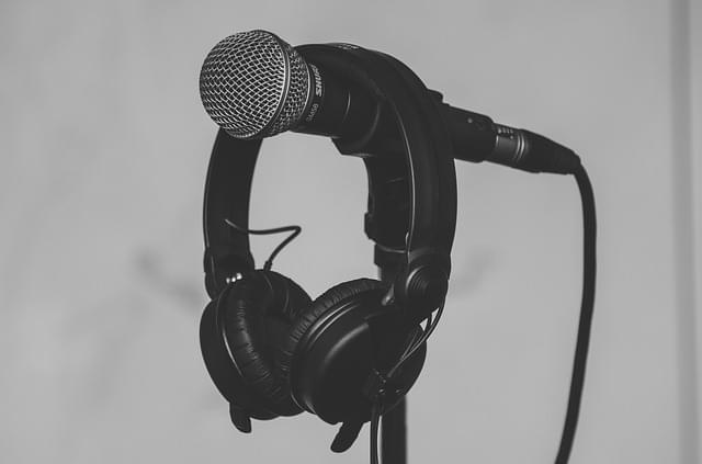 audio-1867121_640