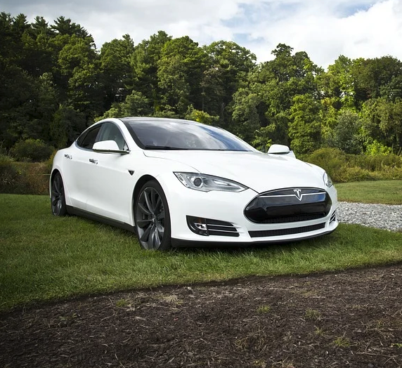 Tesla CEO Elon Musk Dropped The Price on Model S To This