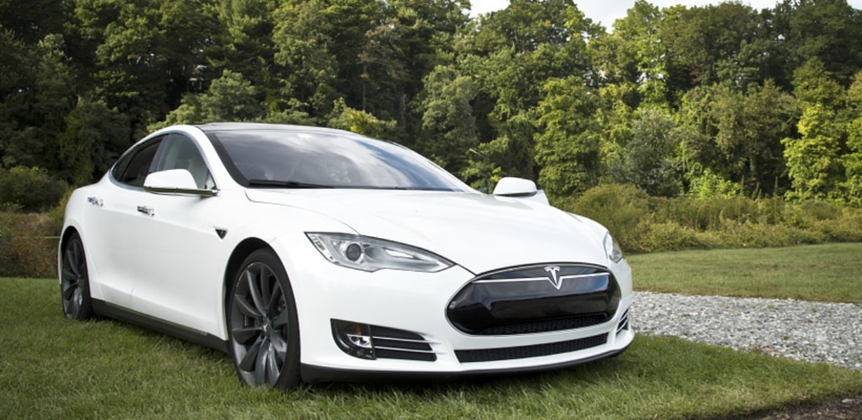 Tesla Drivers Can Now Set Their Horns to Fart Sounds or Whatever They Want