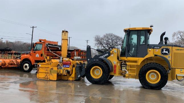 20 City Crews Treating Streets As of 5 a.m.