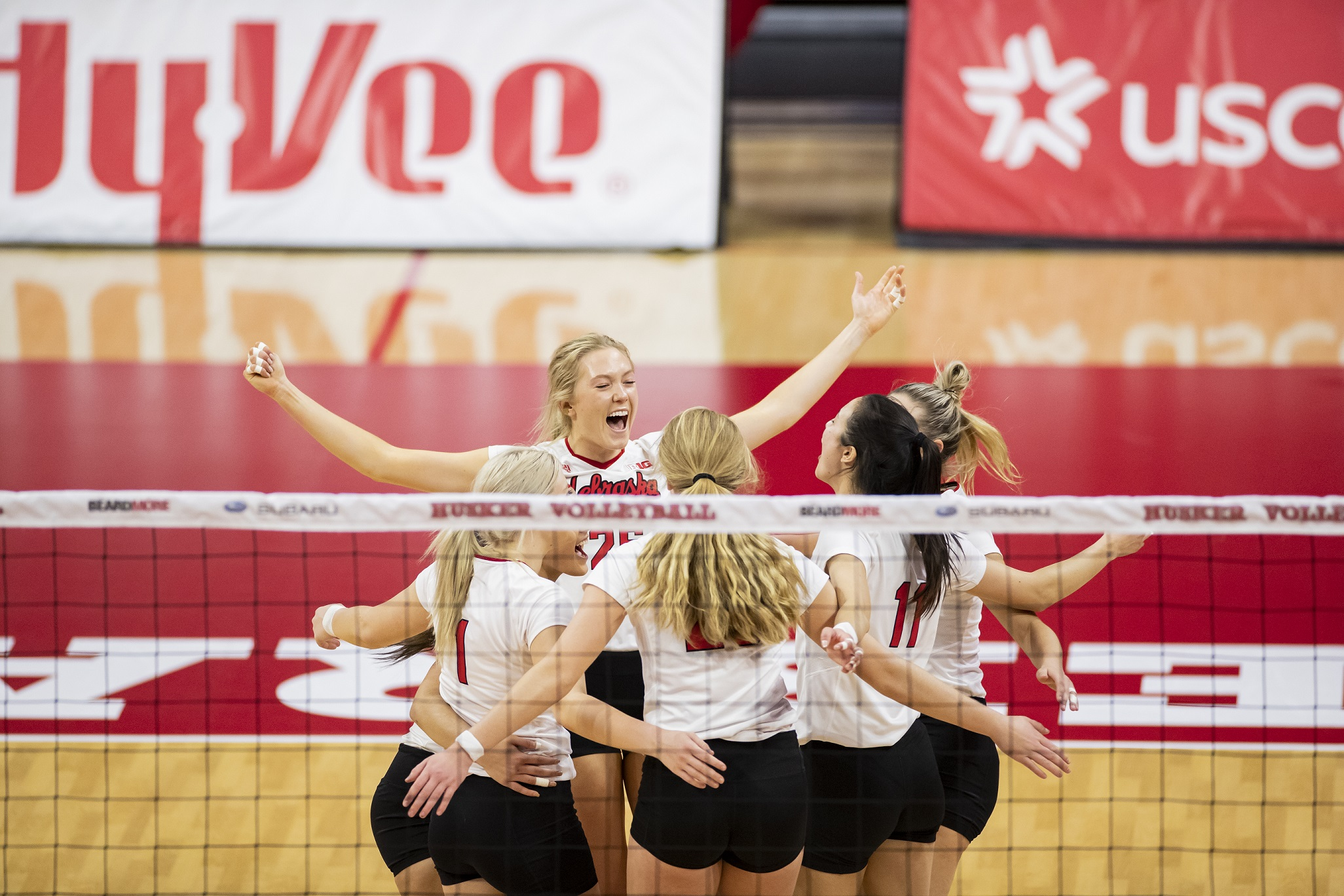 No. 5 Huskers dominate Wolverines in Friday sweep