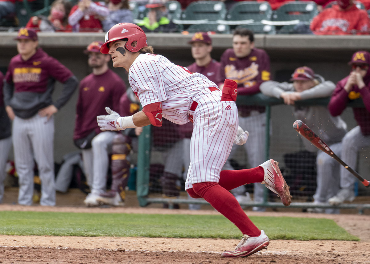 Huskers sweep Gophers in Saturday double-header