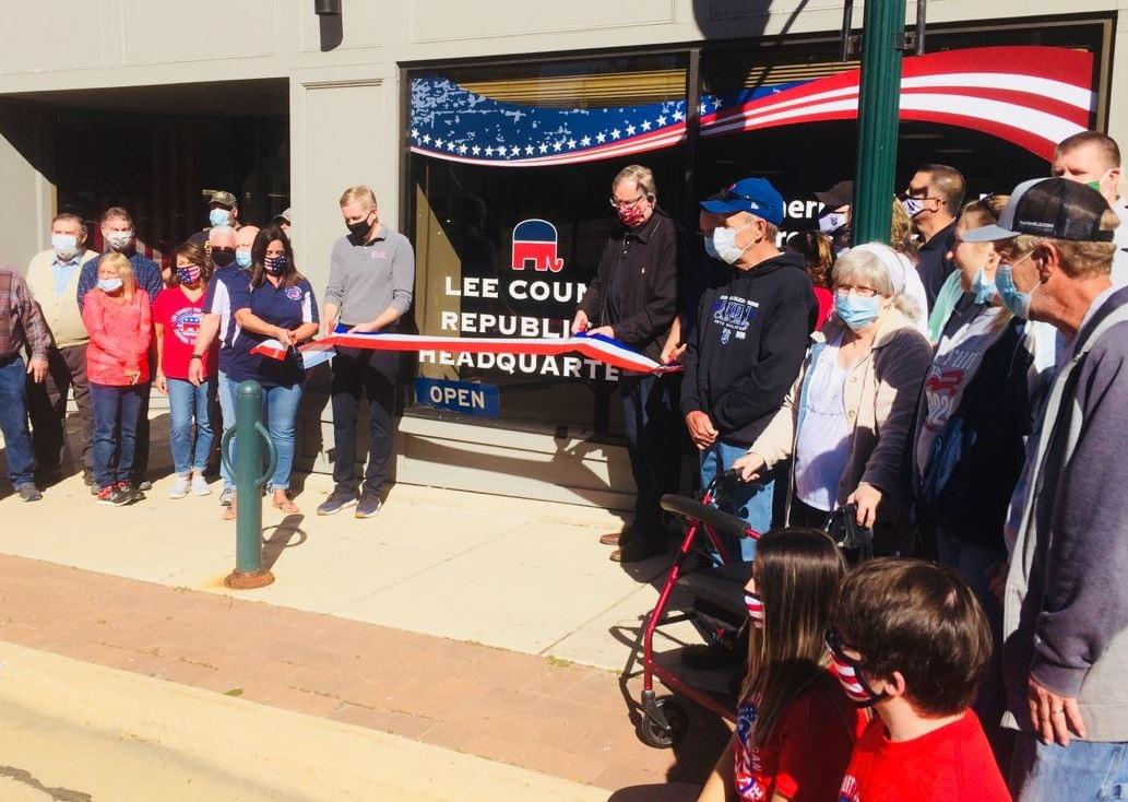 Lee County Republicans Show Support and Enthusiasm Saturday in Dixon