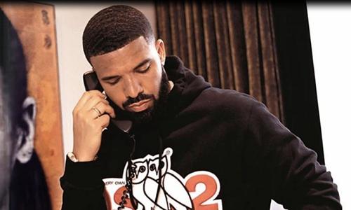 Drake Reveals He's in 'Album Mode'