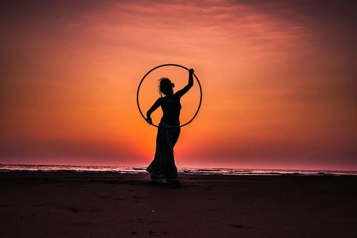 Woman Sets Hula Hoop Record With Her Butt