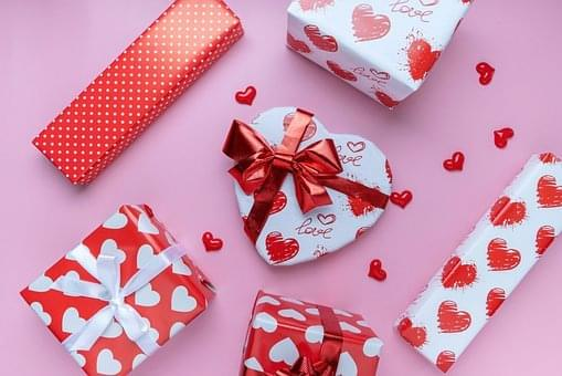 Worst Valentine's Gifts People Have Given Or Received