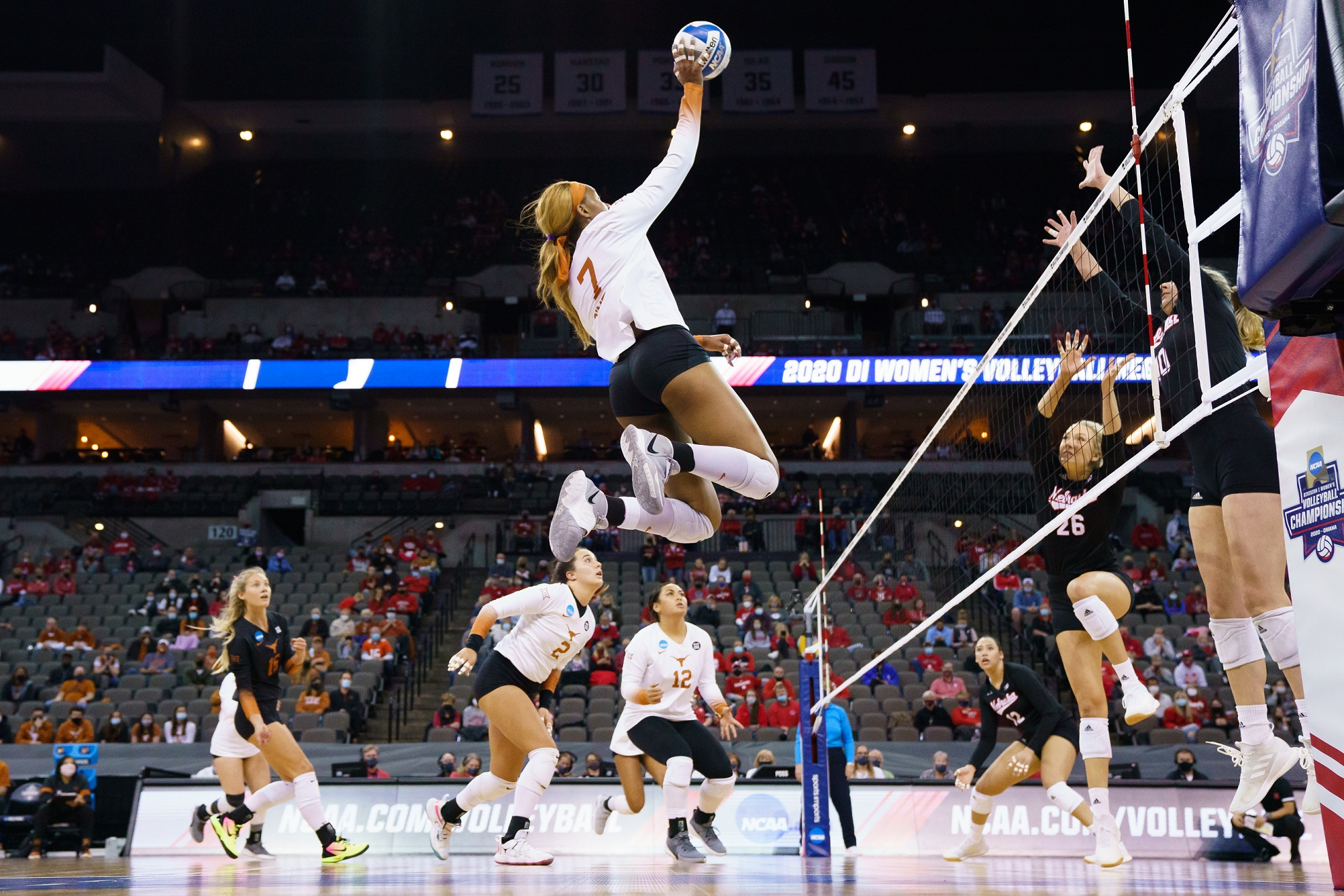 Huskers fall to Longhorns in Regional Finals