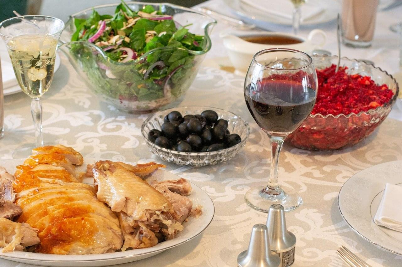 Hosting Your First Thanksgiving: Do's and Don'ts
