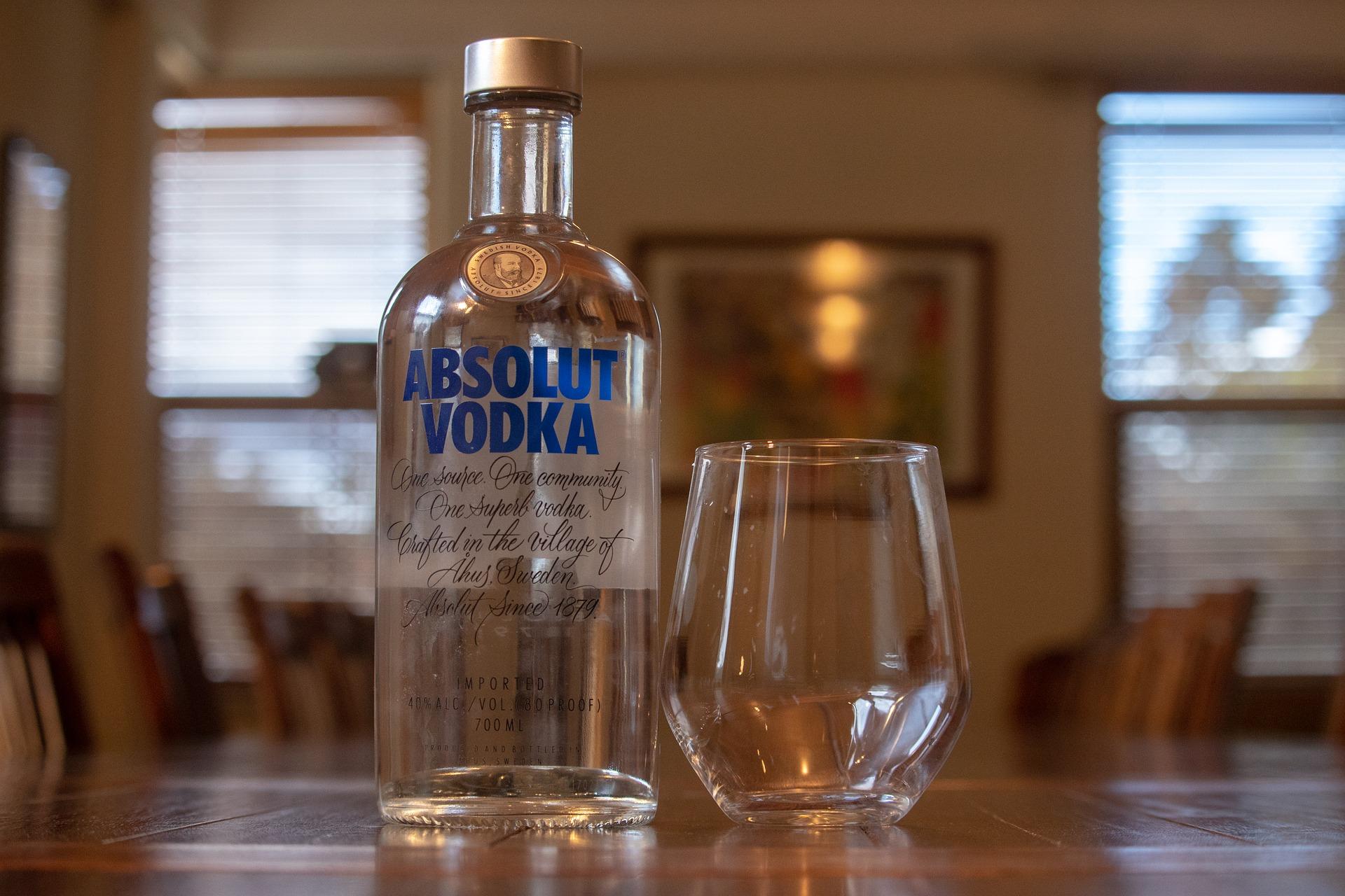 alcohol-3478219_1920