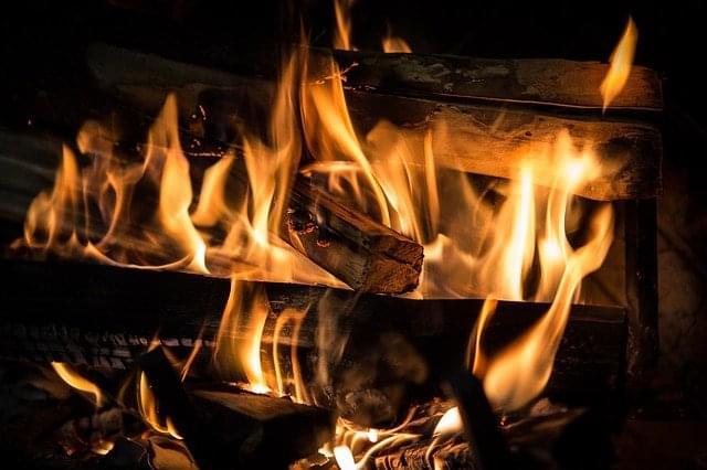 fire-3792951_640