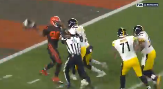 BROWNS HELMET SWING