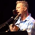 James Hetfield sings 'Baby Hold On'