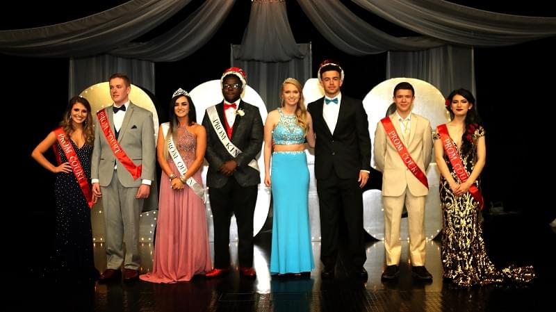Centralia High School crowns new Prom King and Queen
