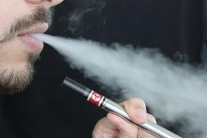 Illinois lawsuit filed against top e-cigarette maker