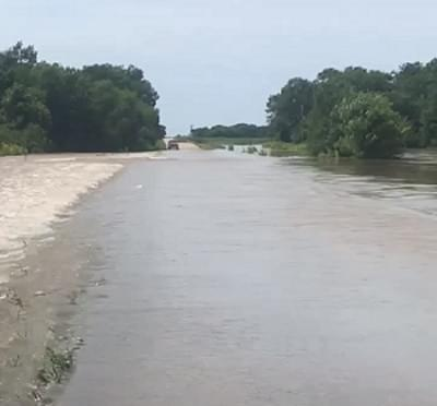Patoka Firemen rescue two from vehicles in high water