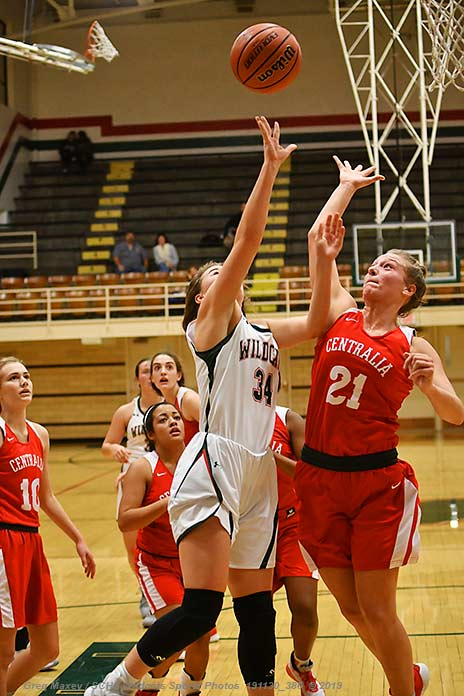 Lady Head To Breese Tonight, Knock Off Centralia To Finish Thanksgiving Tournament