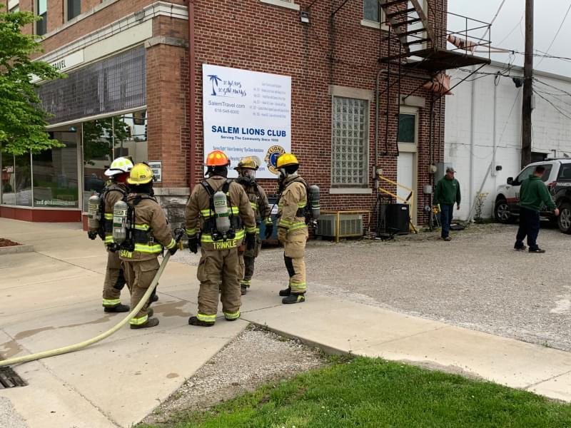 Salem man ruptures natural gas line when running into Salem Travel building