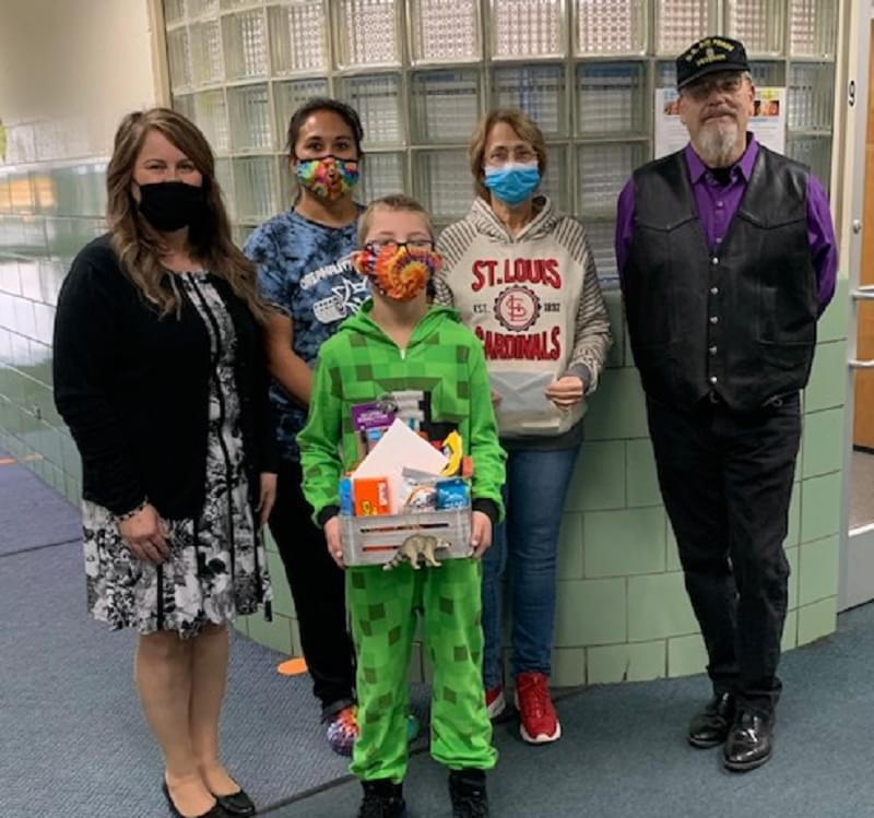 Raccoon Grade School honors those responsible for rescuing couple from burning home