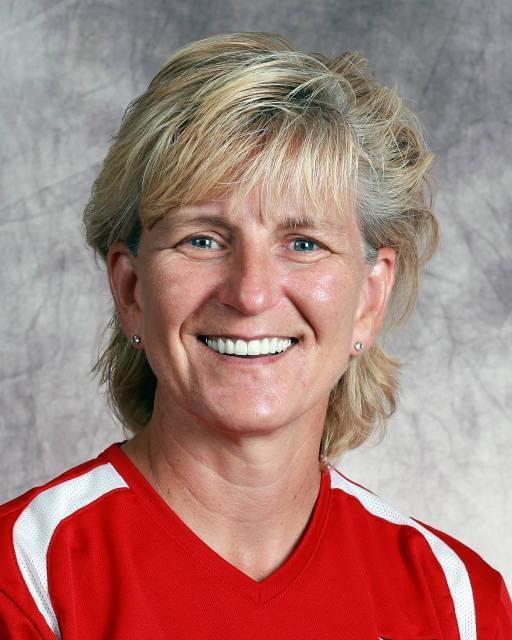 Rhonda Revelle notches 1,000th career coaching win at Nebraska
