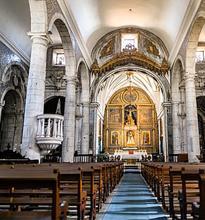El Papa En Iglesia Vacia
