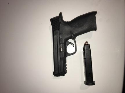 Bakersfield man arrested on firearm charge