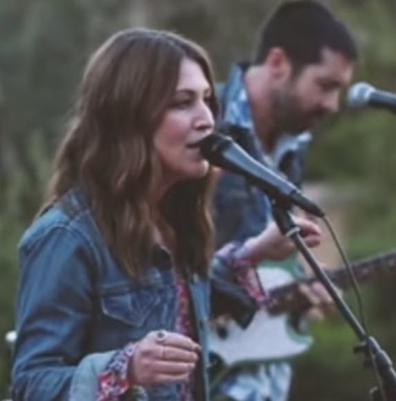 """Bakersfield's own Celeigh Chapman sings some cuts from her new country album """"The Winner"""""""
