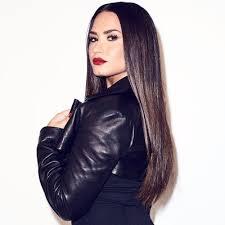 Who's rating Demi Lovato's kisses?