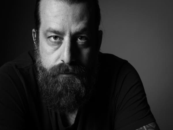 Good Medicine Presents Radio – 11/28/18 – Pepper talks to Sean Rowe