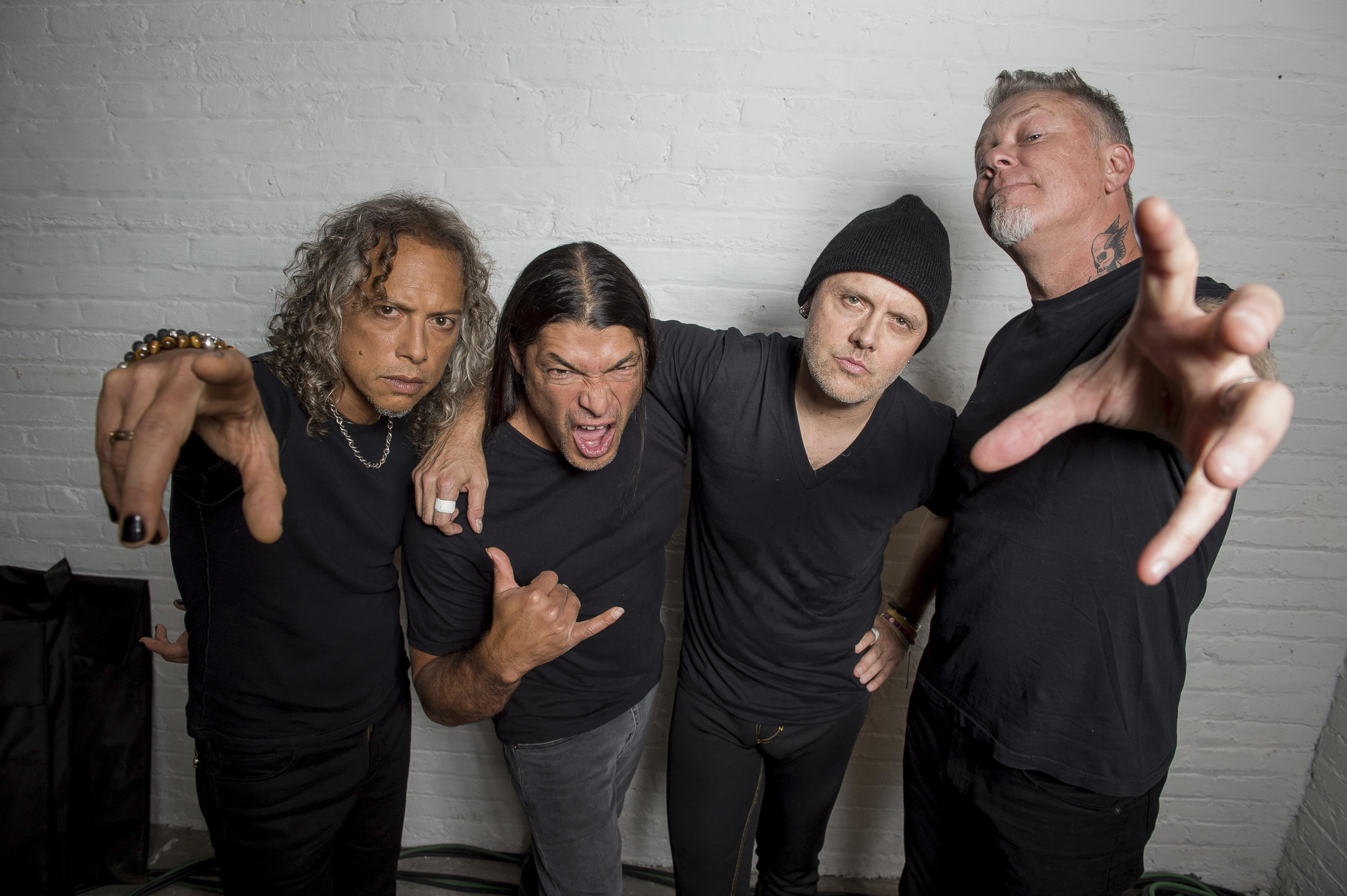 WATCH: Metallica Release 'Moth Into Flame' Video From 'S&M2'