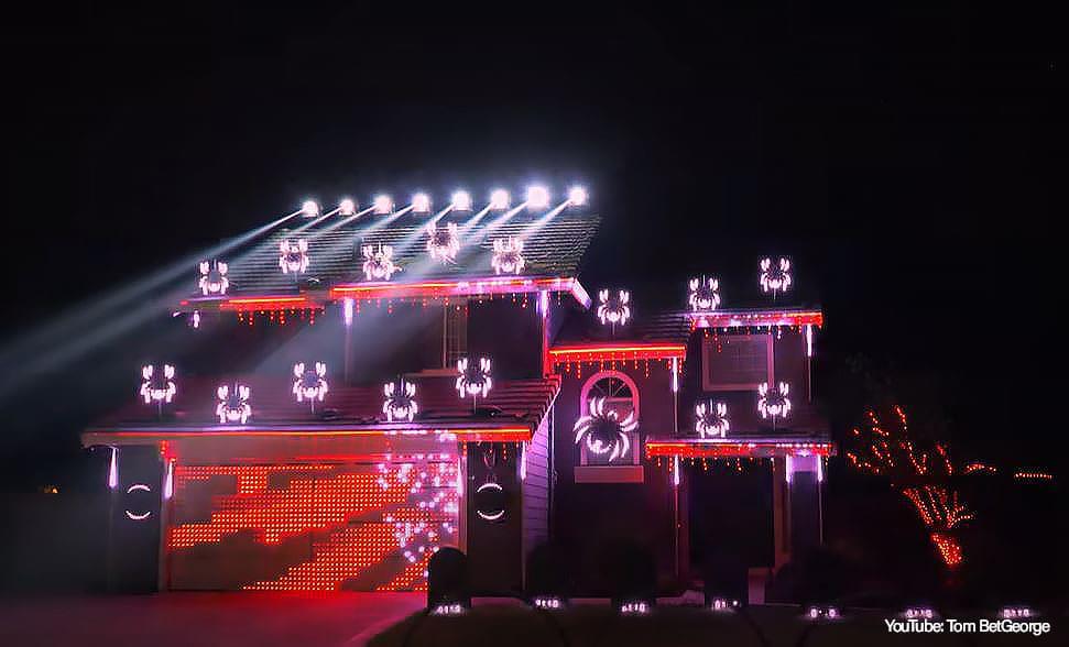 """Watch: Metallica Fan's Epic """"Enter Sandman"""" Halloween Light Show"""