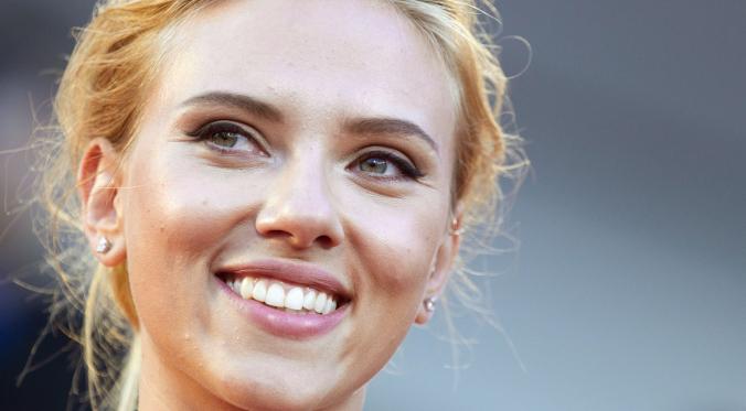 Scarlett Suing Disney | Donna D |