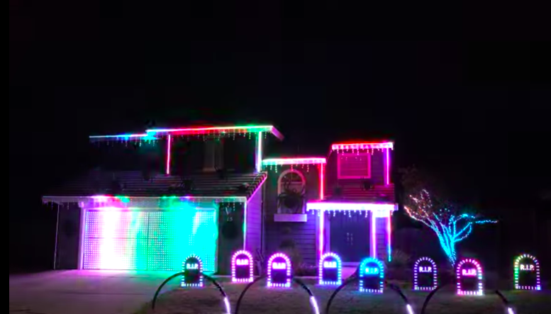 WATCH: wesome Halloween Display