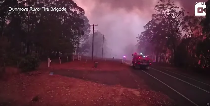 VV3-Feb-4-2020-Amazing-Real-Time-Footage-Of-The-Speed-Of-A-Bushfire[1]