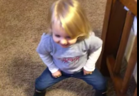 VV4-Feb-19-2020-Little-Girl-Imitates-How-Her-Mom-Puts-on-Skinny-Jeans[1]