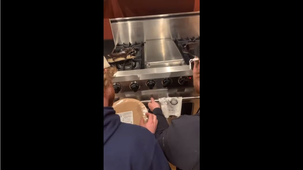 Guys Can't Figure Out How To Work An Oven