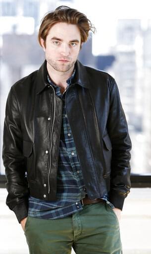 And the New Batman is…Robert Pattinson!!