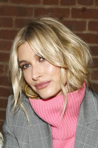 Hailey Baldwin Says She's Sorry!